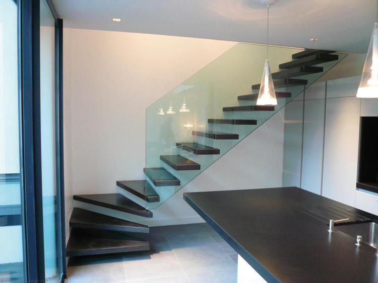 l escalier poursuit sa marche en avant lorraine magazine. Black Bedroom Furniture Sets. Home Design Ideas